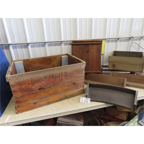 Old Wood Crate w John Mantia & Sons Labelling & Store Prop Crates & Organizers