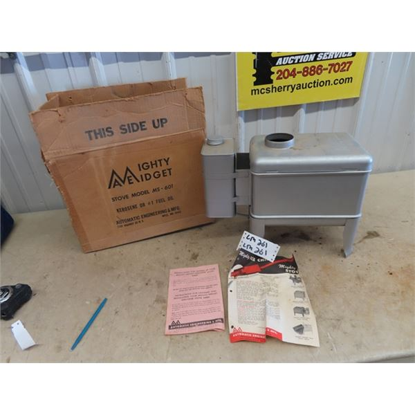 New Old Stock Mighty Midget Stove Model MS601 w Shipping Box & Pamphlet