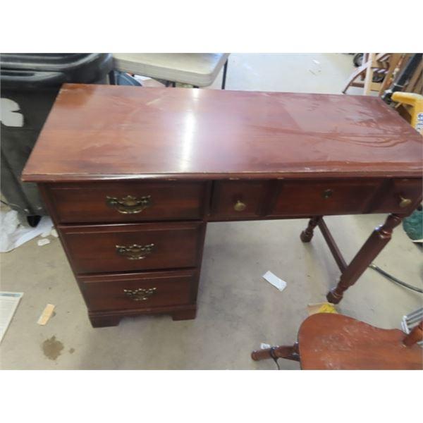 "Desk w 4 Drawers & Chair 31""H 42""W 18"" D"