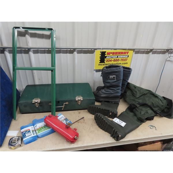 (F) Coleman 446 B Camp Stove w Stand Size 11 Chest Waders, Size 11 Sorrel Winter Boots