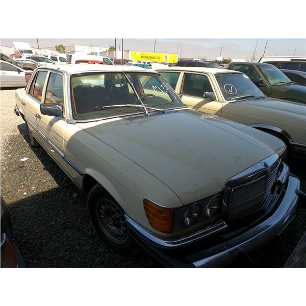 MERCEDES 300SD 1979 T-DONATION