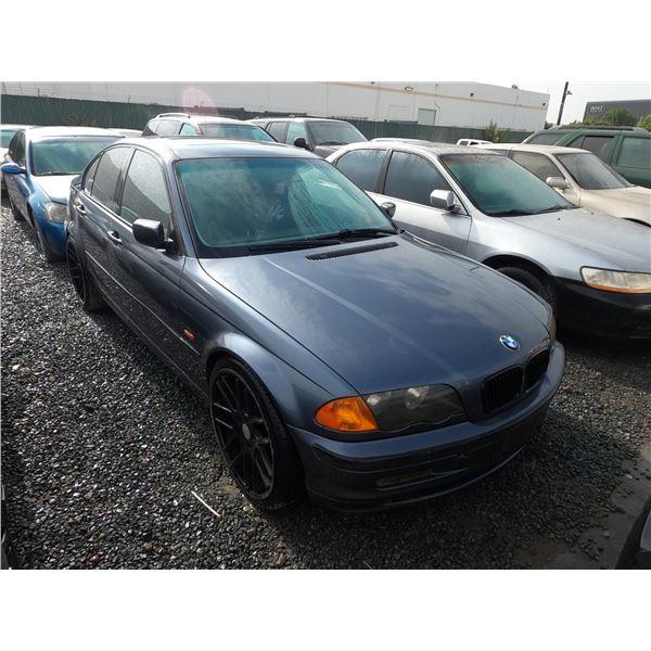 BMW 325I 2001 SALV T/DONATION