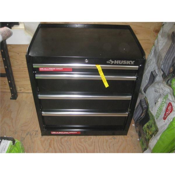 HUSKY 27 INCH 1001803892 TOOL BOX DENTED