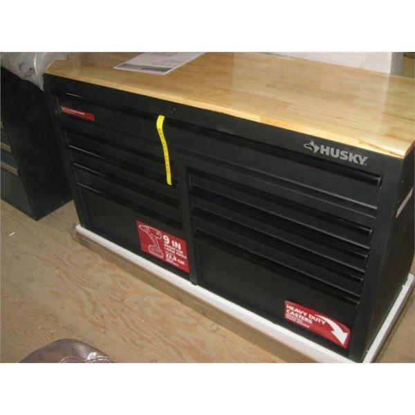 HUSKY 1001226214 TEXTURED BLACK 52 INCH WORK CENTER