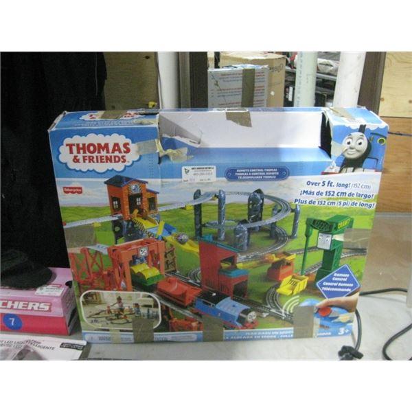 THOMAS REMOTE CONTROL TRAIN