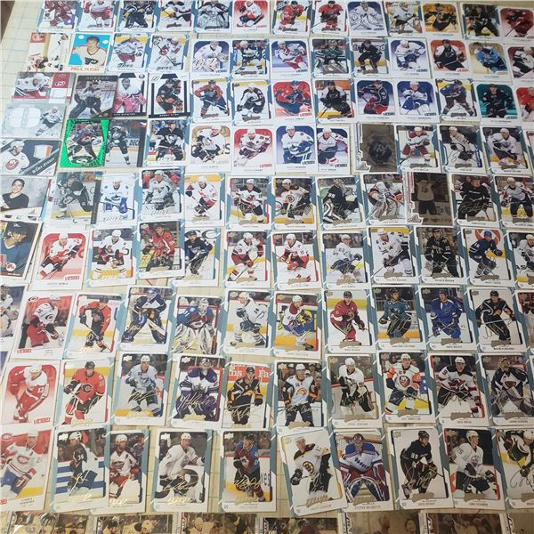 120+ hockey cards Patrick Roy Starquest, Messier, Selanne + numbered Autograph Gordon jersey cards L