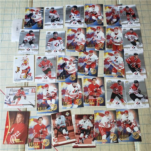 30 card lot Assorted team Canada Ladies and Mens inc Sara Davis serial numbered Card 60/175