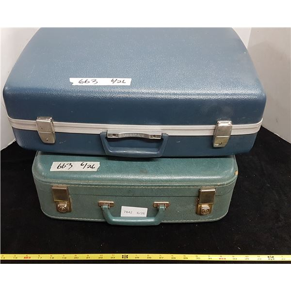 2 Vintage Suitecases
