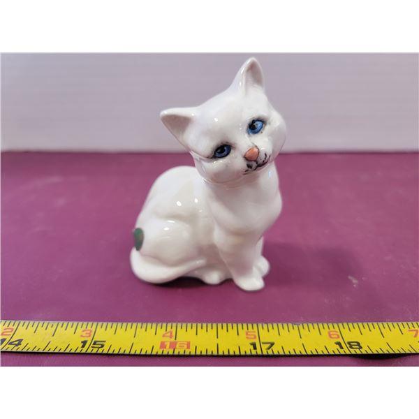 Beswick Cat Ornament