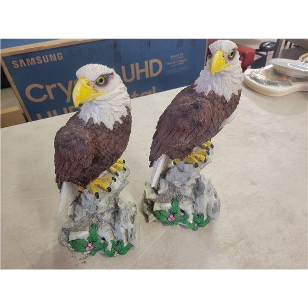 1 Pair Standing Eagles
