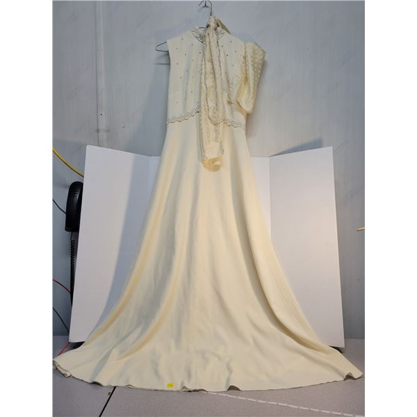 vintage cream colored dress with scarf & beads size small/medium