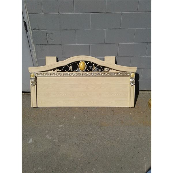 Double - Wood Appearance Headboard x1 (Bottom Right Corner Chipped)