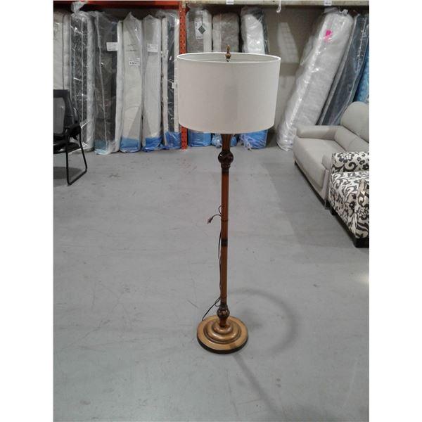 3 Bulb Standing Floor Lamp x 1 pc