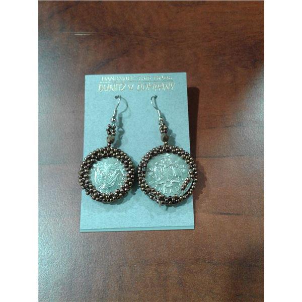 Earrings x 1 Pair
