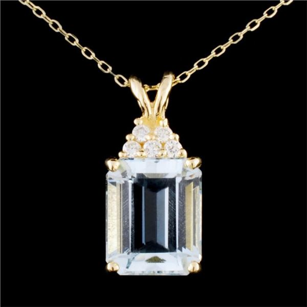 14K Gold 5.25ct Aquamarine & 0.14ctw Diamond Penda