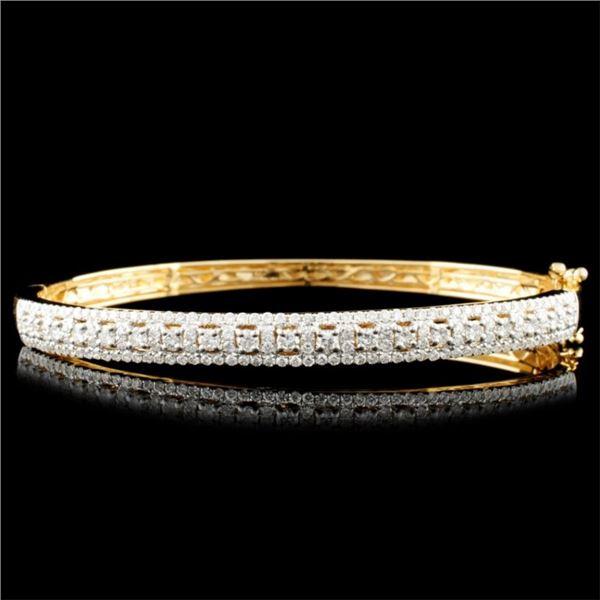 14K Gold 1.95ctw Diamond Bangle
