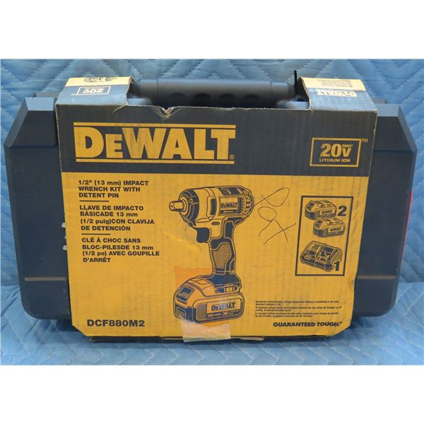 "DeWalt 13mm 1/2"" Impact Wrench Kit w/ Detent Pin DCF880M2 New in Box"