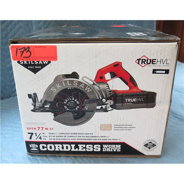 """SkilSaw 7-1/4"""" Cordless Worm Drive Saw Kit Model SPTH 77 M-21 New in Box"""