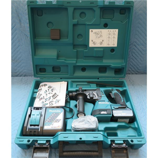 """Makita Lithium-Ion 1"""" Rotary Hammer Model XRH01T in Hard Case"""
