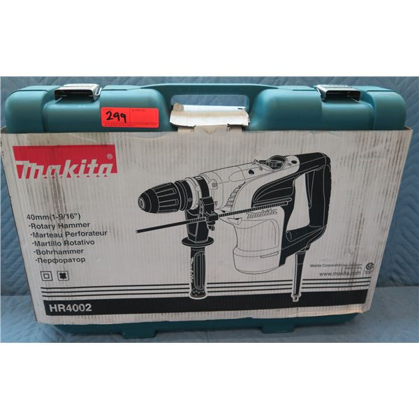 "Makita 40mm (1-9/16"") Rotary Hammer Model HR4002 New in Box"