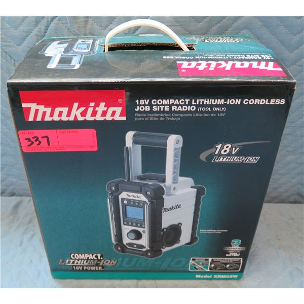 Makita 18V Compact Cordless Job Site Radio Model XRM02W New in Box