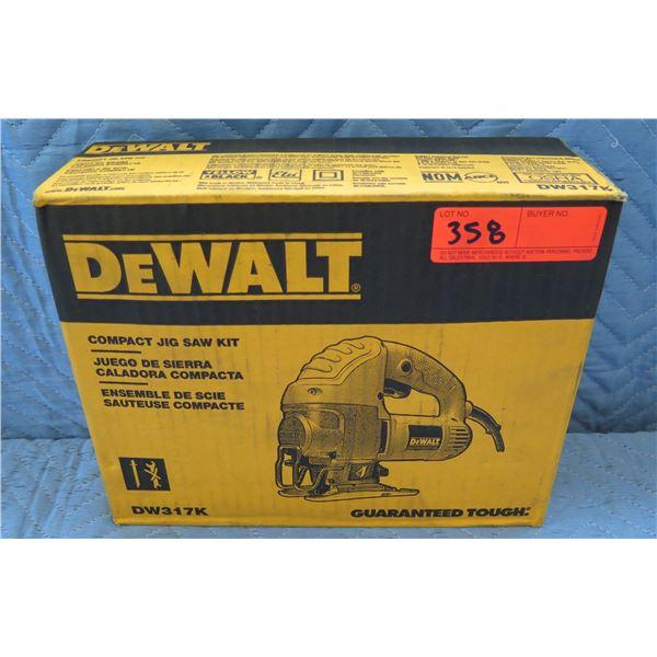 DeWalt Compact Jig Saw Kit Model DW317K New in Box
