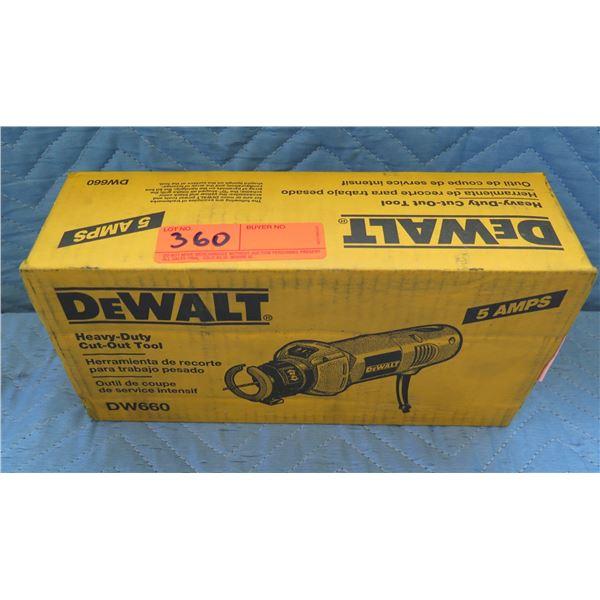 DeWalt Heavy-Duty Cut-Out Tool 5 Amps Model DW660 New in Box