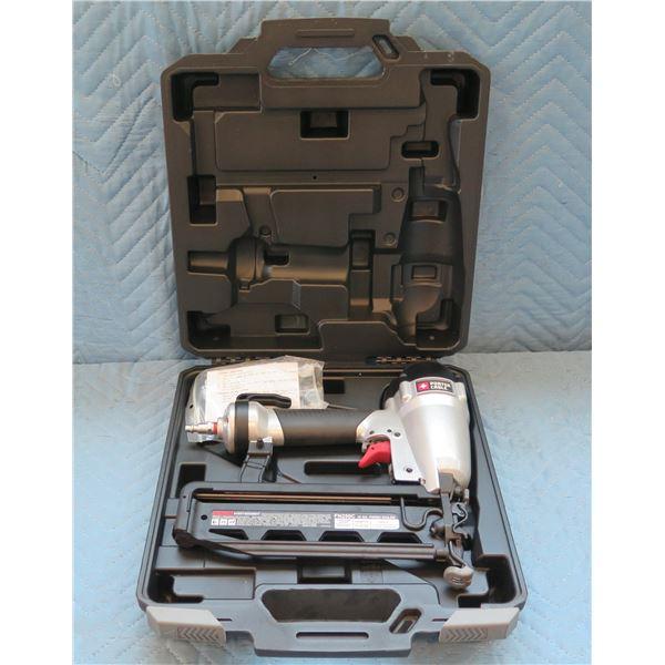 Porter Cable 16 GA. Finish Nailer Model FN250C in Hard Case