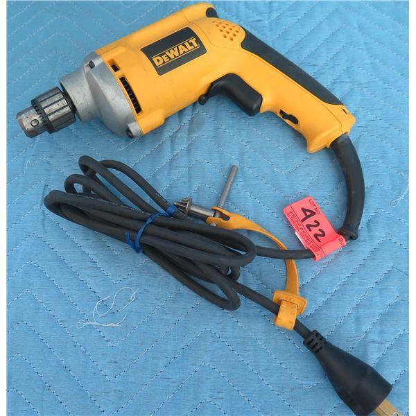 "DeWalt DW217 1/4"" VSR Drill Type 3 120V AC 50/60 Hz"