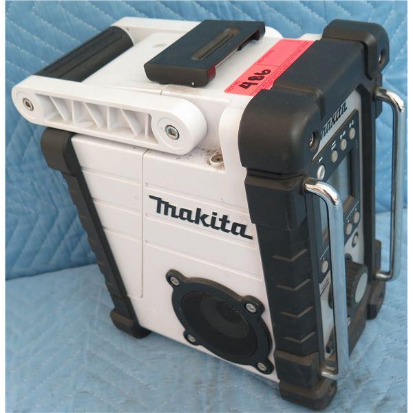 Makita XRM02W AM/FM Jobsite Radio 18V (Tool Only)