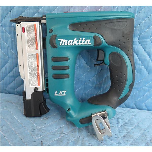 """Makita XPT01Z Pin Nailer 23GA 1-3/8"""" Nail Length 18mm (11/16"""") New"""
