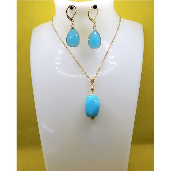 25)  GOLD TONE WITH BLUE JADE DROP