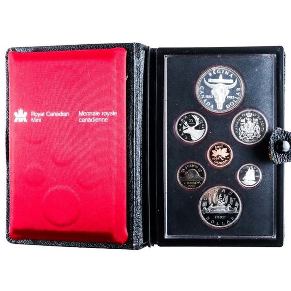 1982 RCM Proof Double Dollar Coin Set w/  Silver Dollar Black Leather Case