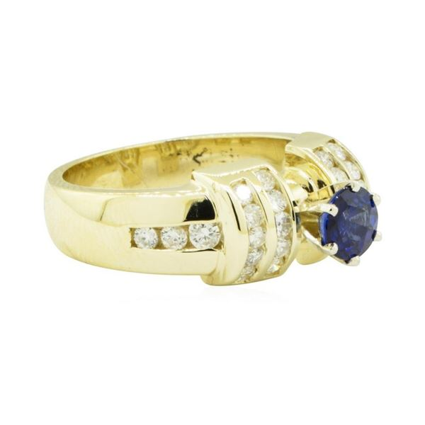 1.40 ctw Round Brilliant Blue Sapphire And Diamond Ring - 14KT Yellow Gold