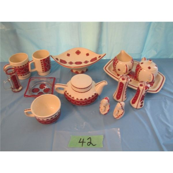 lot of Ukrainian ceramics. Some marked ceramics by Anne.