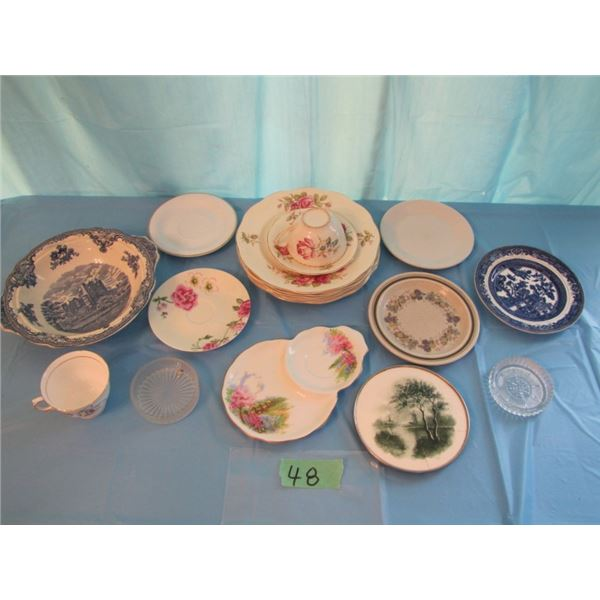 lot with assorted mismatched dishes