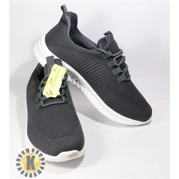 RUNNING SHOES GRAY WITH WHITE SOLES