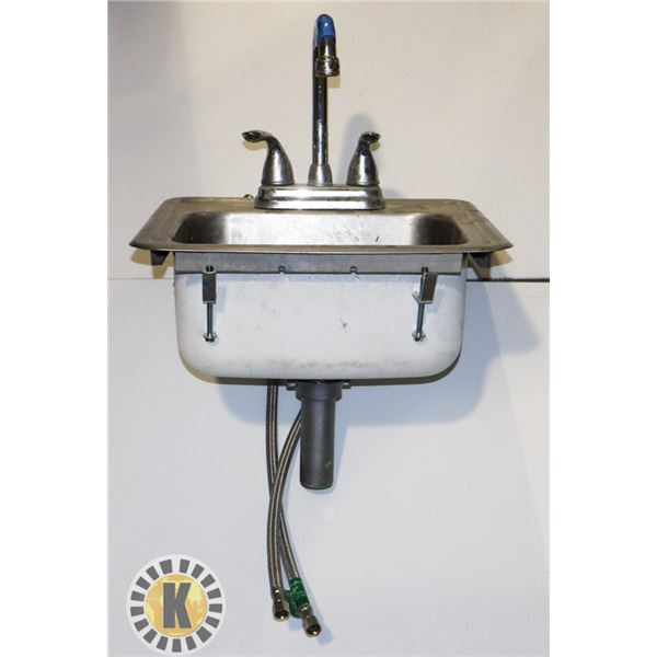 1 SMALL SINK
