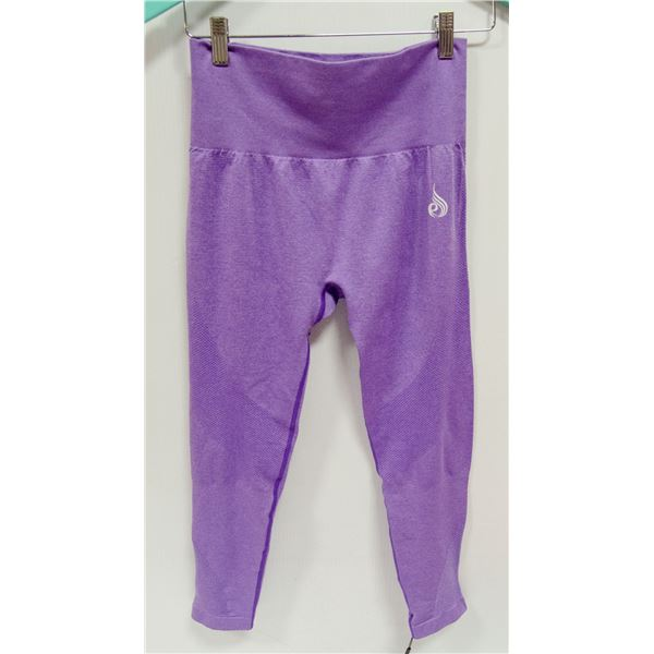 NEW RYDERWEAR TIGHTS SIZE SMALL RETAIL $79.99