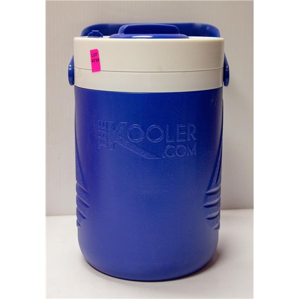 THE KOOLER BLUE 1 GALLON COMES WITH 2 SHAKER CUPS