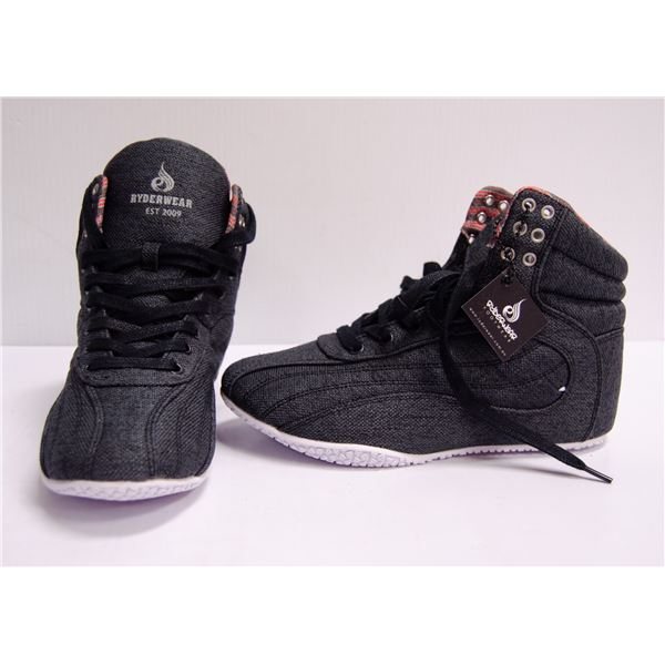 NEW RYDERWEAR SHOES SIZE 5 MENS
