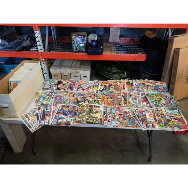 LARGE BOX OF OVER 200 BAGGED AND BOARDED COLLECTABLE COMICS