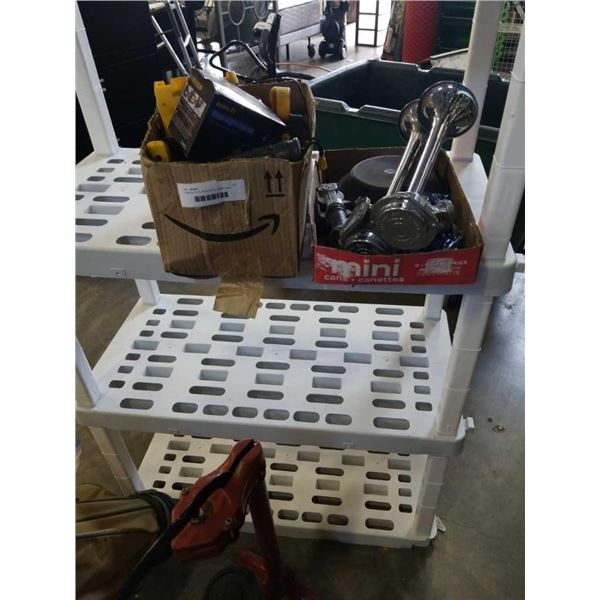2 TRAYS OF FLASHLIGHTS, LAMPS AND PARTS, HORN