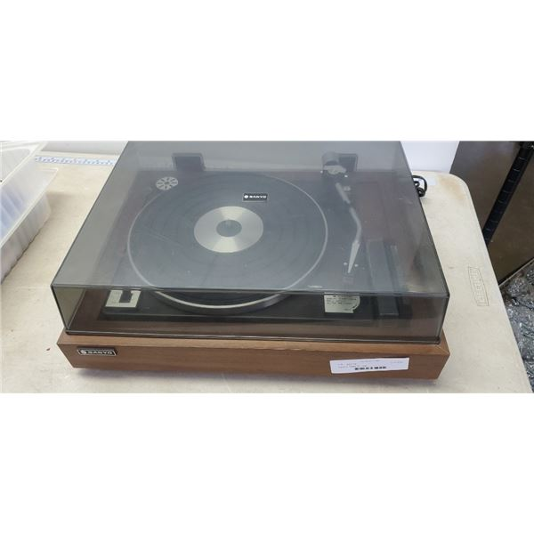 Sanyo turntable ST - 28D