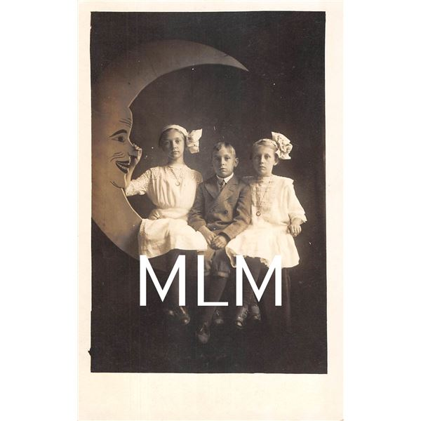 Paper Moon With 3 Children Sitting Photo Postcard
