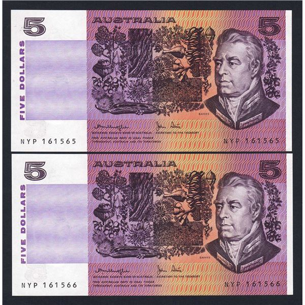 AUSTRALIA $5. 1979. Knight-Stone. CONSECUTIVE PAIR