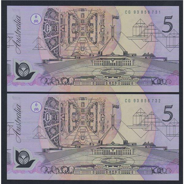 AUSTRALIA $5. 1993. Fraser-Evans. Medium to Dark Green Serial. CONSECUTIVE PAIR