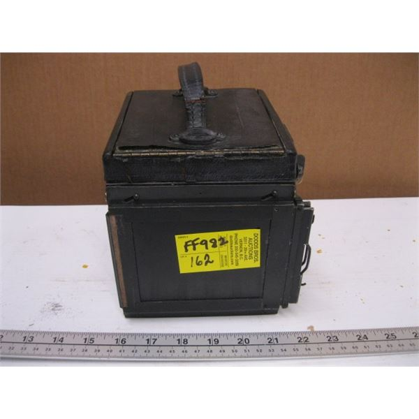 MARSHALL FIELDS ANTIQUE BOX CAMERA
