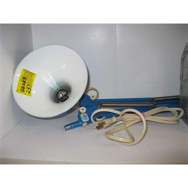 BLUE EXTENDABLE DESK LAMP