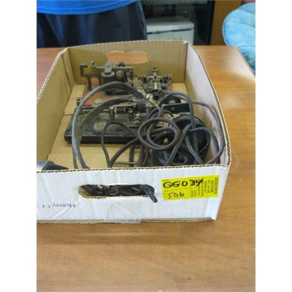 BOX WITH ANTIQUE HEADPHONES & 2 MORSE CODE KEYS, VIBROPLEX & NO NAME